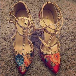 Flower pattern 8 1/2 high heel